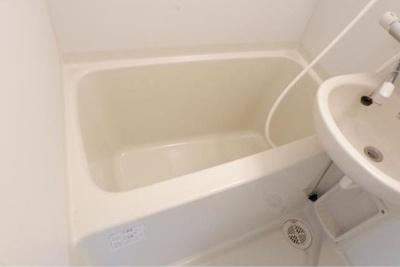 浴室乾燥機完備。