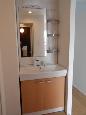 清潔感があり機能的な洗面台です。 ※写真は同タイプの別のお部屋です