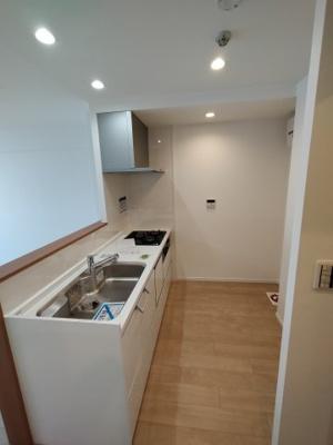 食洗器付きのカウンター式キッチン