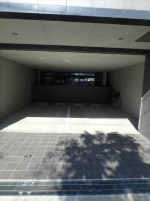 敷地内駐車場です☆