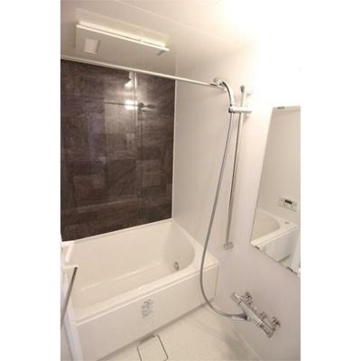 【浴室】ルーナ ピィエナ代々木上原(ルーナ ピィエナヨヨギウエハラ)
