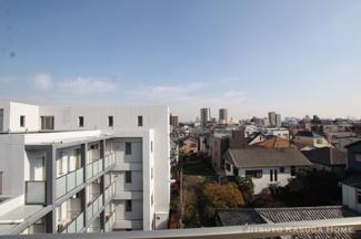 東側ルーフバルコニーからの眺望