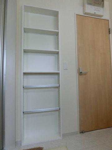 洗面脱衣室に設置された棚です。
