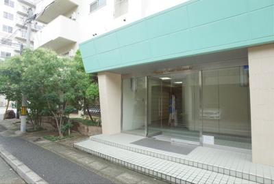 【エントランス】ハッピーコート魚崎