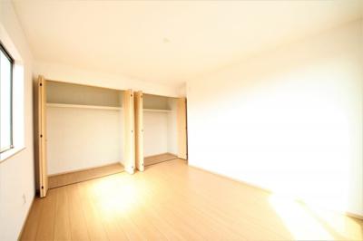 2F洋室 収納スペース広々