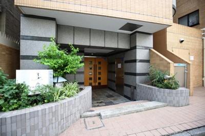 【エントランス】ジェイパークステーション田町