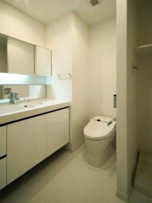 【洗面所】アパートメンツタワー麻布十番