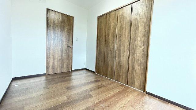 玄関横4帖のお部屋もクローゼットあり