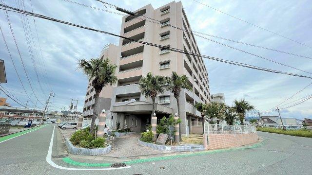 香椎線「土井駅」徒歩10分。4階角部屋です