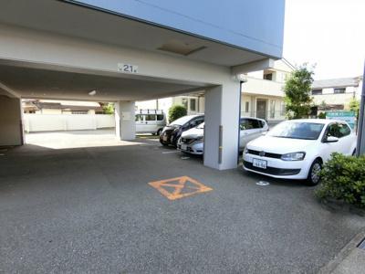 【駐車場】デュンケルブラウ