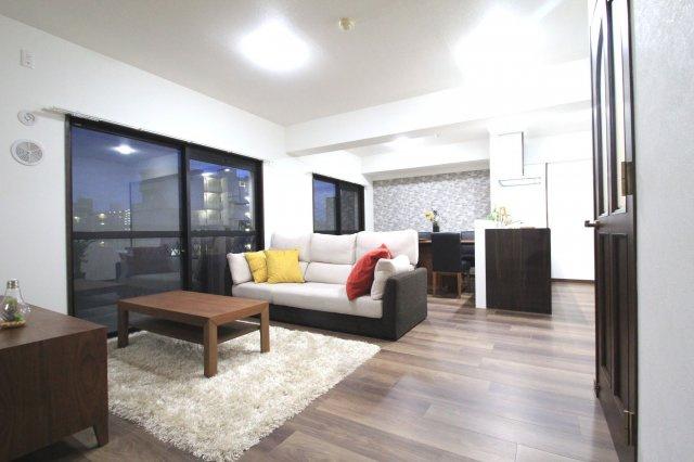 広いお部屋をお探しのファミリーにおススメ☆彡 居室4部屋+17帖のLDK+6帖のお部屋。 ルーフバルコニー付きの5LDKメゾネットです!