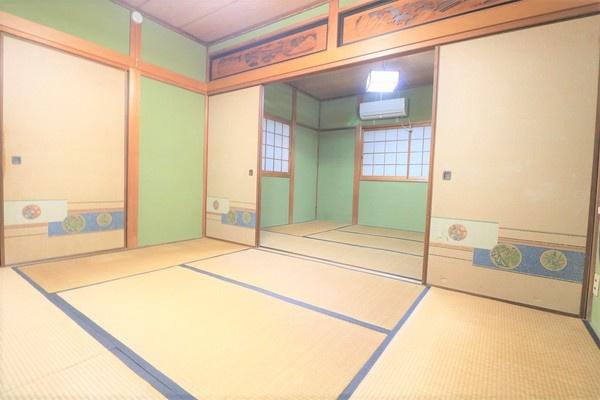 【和室】 2階6畳と6畳の続き間の和室です♪