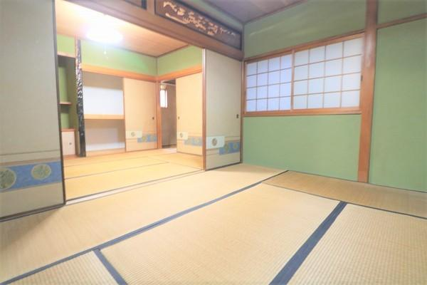 【和室】 2階の広々和室です♪