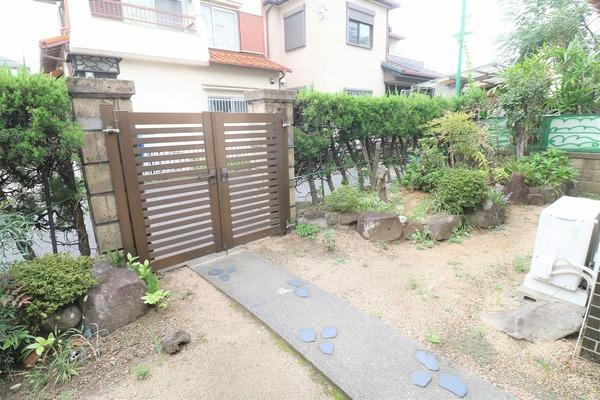 【庭】 ガーデニングなど楽しめるスペースもあります♪