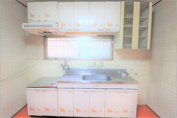 【キッチン】 収納豊富なキッチンです♪