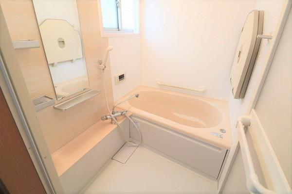 【浴室】 浴室綺麗にお使いです♪