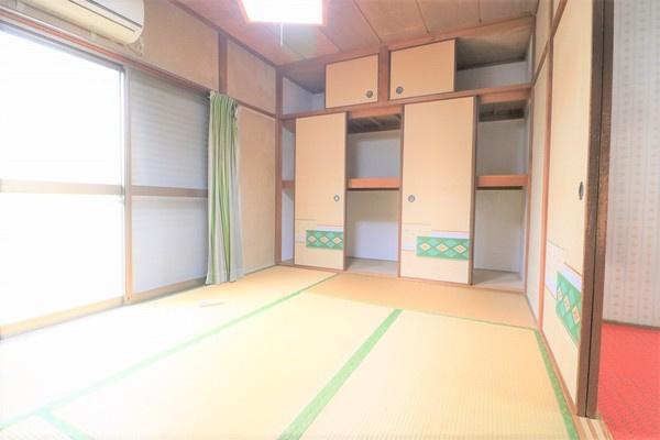 【和室】 1階6畳の和室。収納たっぷり♪