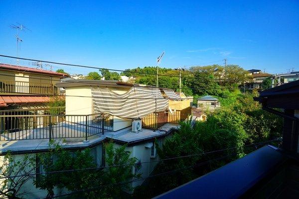 バルコニーからの眺望です さえぎる建物がなく陽当り通風良好!