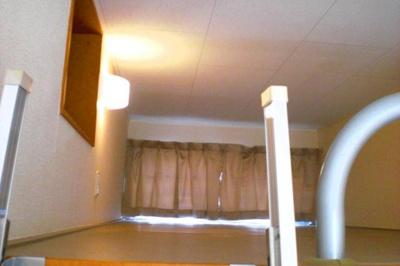 こちらは2階のお部屋の写真になります。
