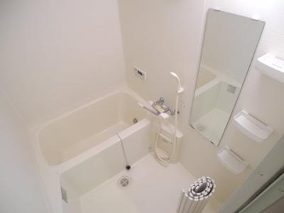 【浴室】リバーサイド ヴィラ