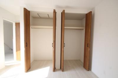 2階 洋室1(8.5帖)クローゼット