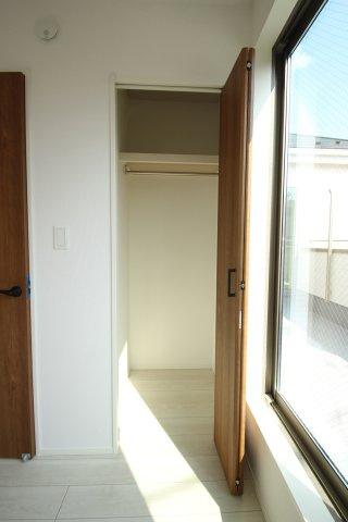 2階 洋室2(6.0帖)クローゼット