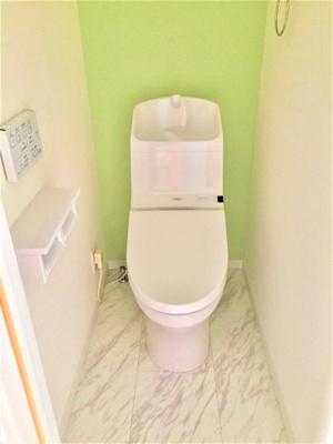 【施工例:洋室】 NODAの居室ドア、クローゼットを採用しており、重厚感があります