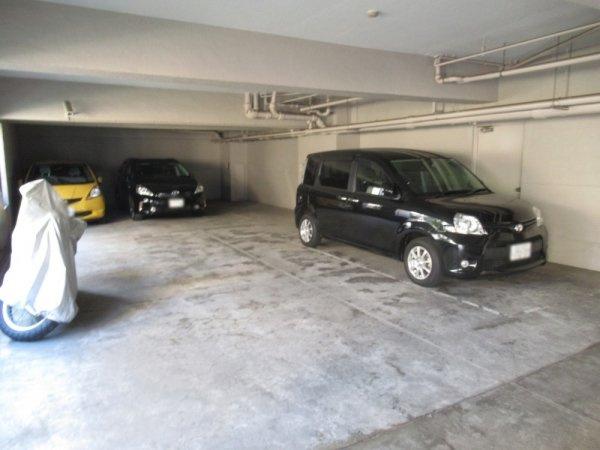 【駐車場】三軒茶屋スカイハイツ