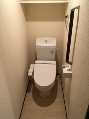 温水洗浄便座付きです。