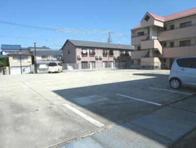 【駐車場】マンションイレブン