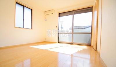 明るく綺麗なお部屋