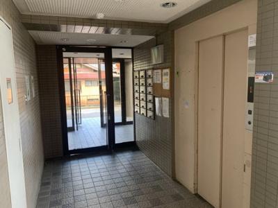 【エントランス】丸美ロイヤル北浜田