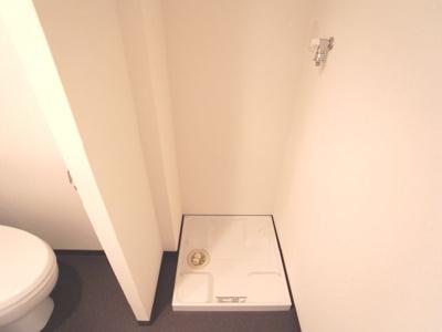 別号室の写真になります。現況優先。室内洗濯機置場