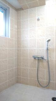 【浴室】トーマス仲西
