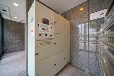 晴海アイランドトリトンスクエアビュータワー2号棟の宅配ボックスです。