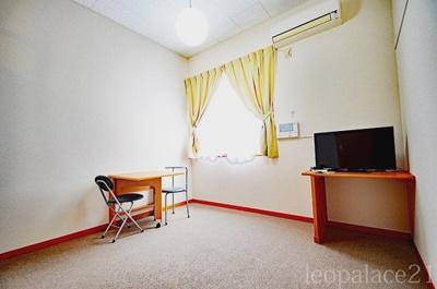 2階は絨毯敷きとなります