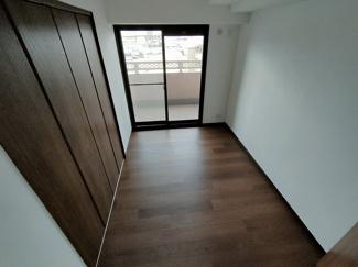 少し狭いかも、でもこれぐらいかな中学生のお部屋は。