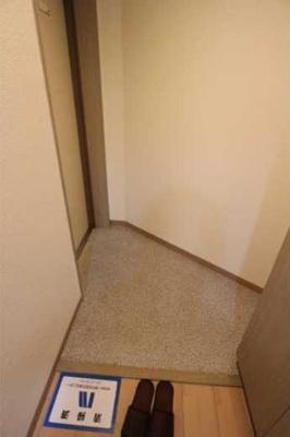 【玄関】ステージファースト三軒茶屋 バストイレ別 宅配BOX 分譲賃貸