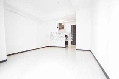 白基調のとても綺麗なお部屋