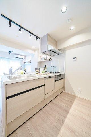 システムキッチン新規交換 食洗機・浄水器一体型水栓付 標準装備です