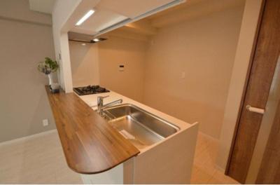 ライオンズステーションプラザ西台403号室のキッチンです