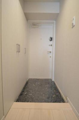 ライオンズステーションプラザ西台403号室の玄関です