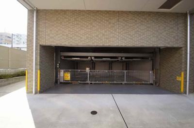 「敷地内駐車場」