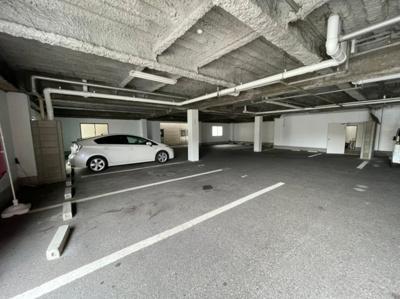 【駐車場】クローバーズマンション