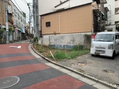 中野駅徒歩8分。お好きなハウスメーカーで建築可能です。土地建物総額:4690万円(参考価格)(2021.09.11撮影)。