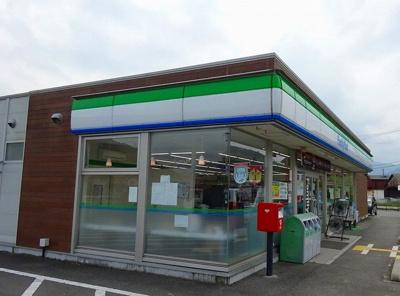 ファミリーマート氷上町常楽店様まで230m