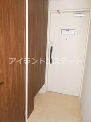 【玄関】グレヴィアリグゼ三軒茶屋 二人入居可 ファミリー向け 宅配BOX