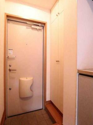 【玄関】アズーロ松陰神社 駅近 独立洗面台 浴室乾燥機