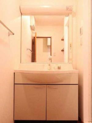 【洗面所】アズーロ松陰神社 駅近 独立洗面台 浴室乾燥機