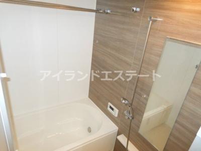 【浴室】ザ・パークハビオ三軒茶屋テラス ペット相談可 築浅 2人入居可